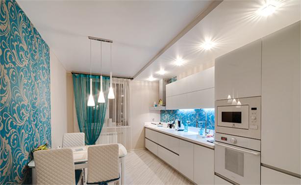 Плюсы натяжных потолков для кухонного помещения