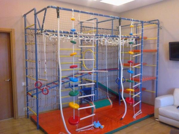 Спортивный уголок для детской