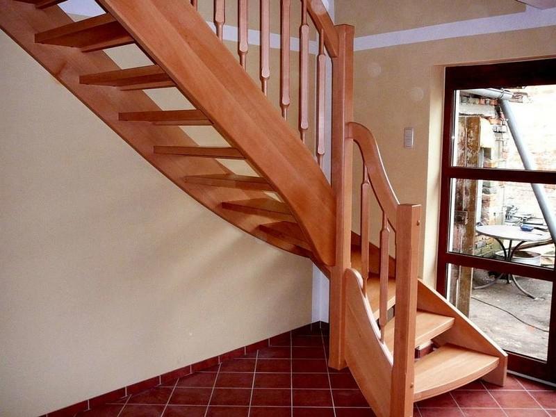 Как построить лестницу
