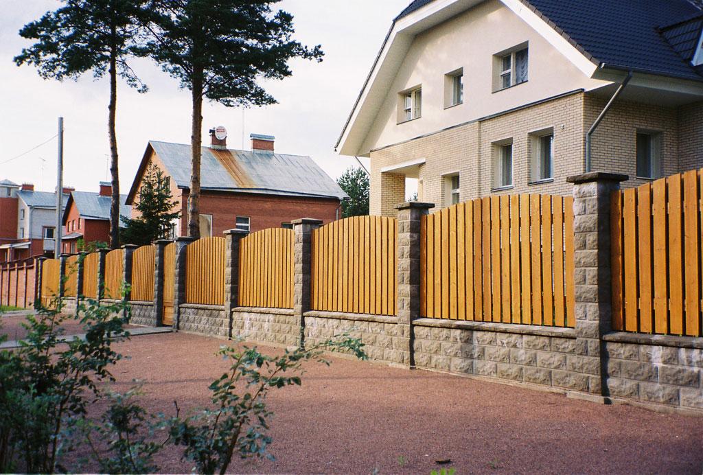 Строительство заборов для загородных домов