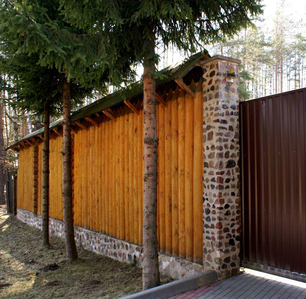 Из чего делать забор для загородных домов