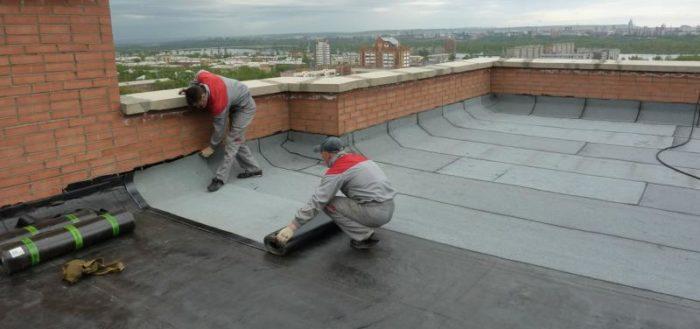 remont ploskoy krovli pri pomoshchi rulonnyh materialov