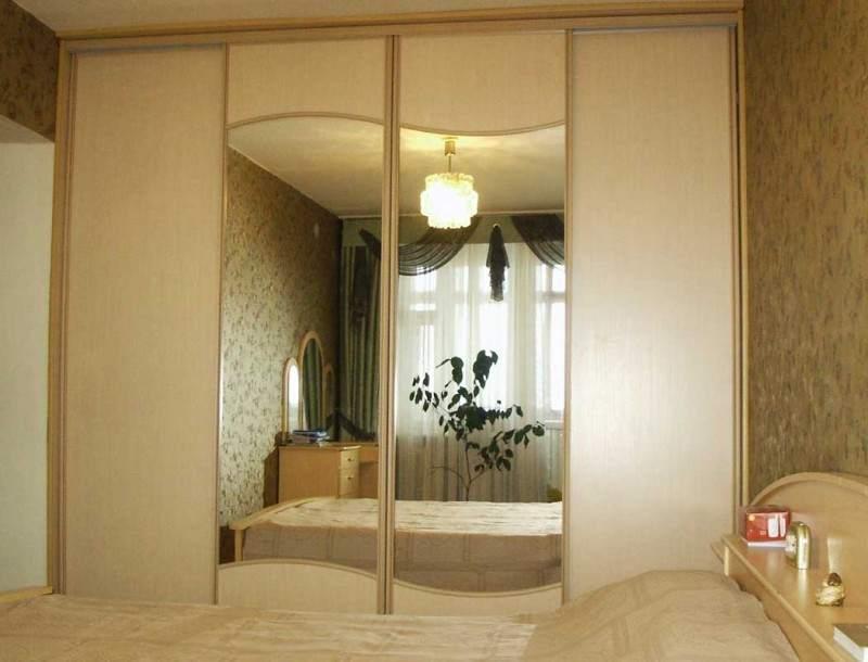 Шкаф-купе в спальную комнату