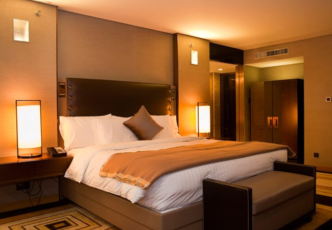Как снять номер в отеле, гостинице в СПб?